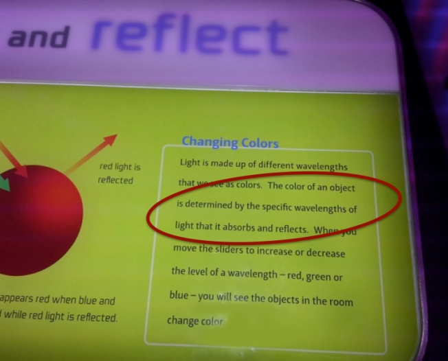 Chicago Museum of Science presents a Wrong Color Definition